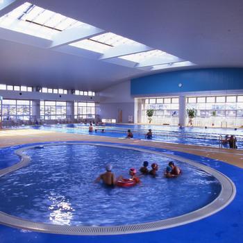 新町温水プール可動式上屋